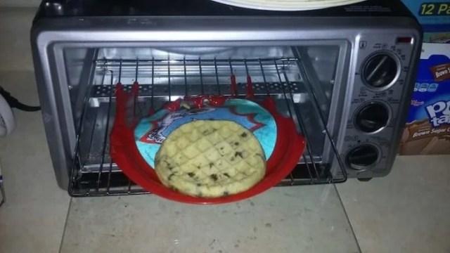 Errores - metió plato de plástico al horno