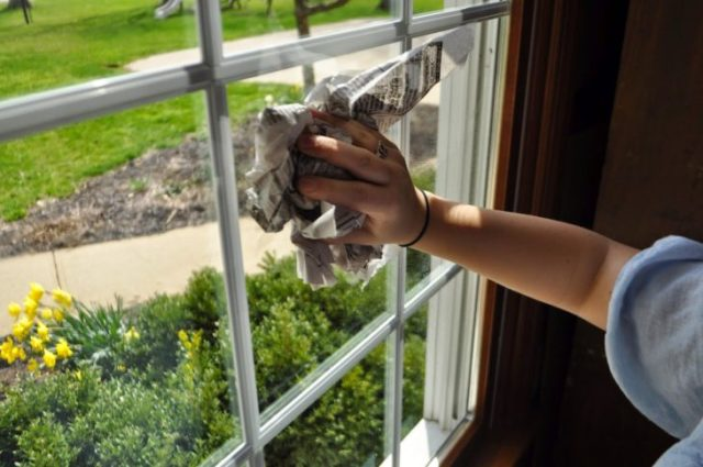 periodico para adecentar ventanas