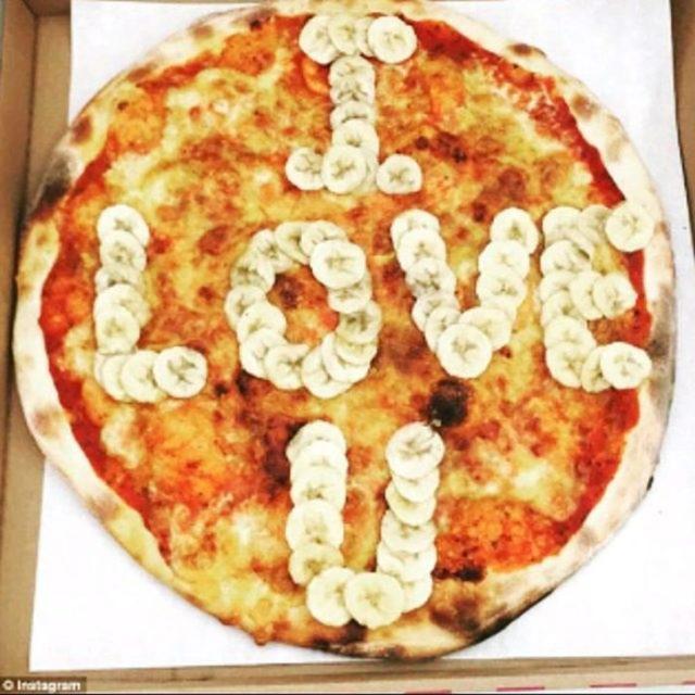 pizza con plátano