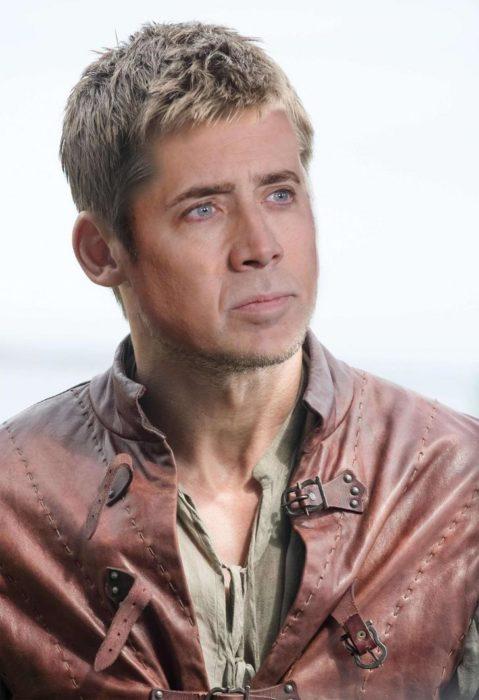 Personaje de GOT photoshopeado con hacia de Nicolas Cage