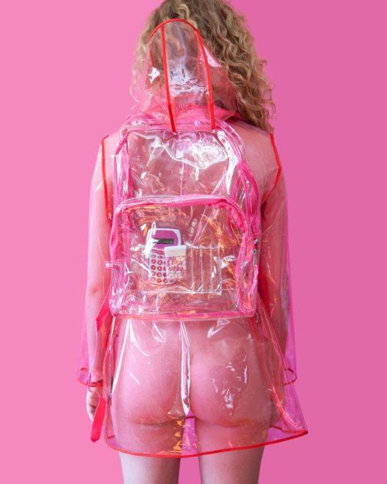 ilegal llevar ropa transparente