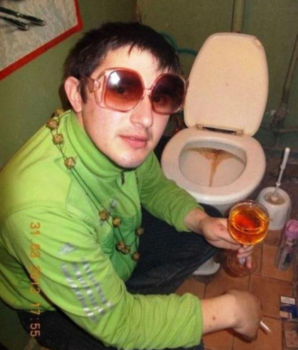 ruso seductor baño váter soltero
