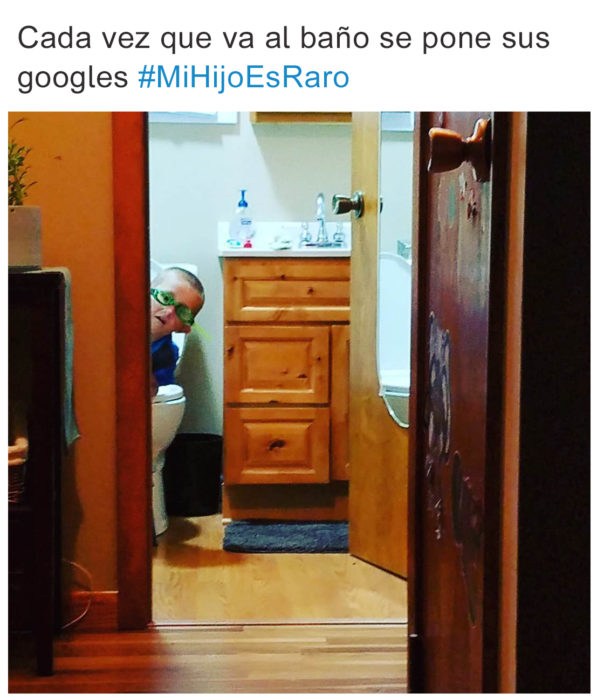 Tuits pequeños ajenos - en el baño con googles