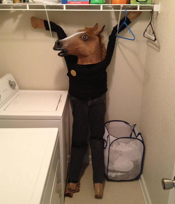 caballo colgante