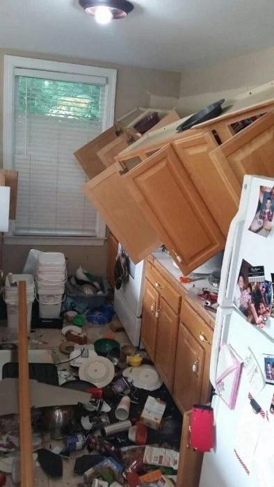 se caen muebles de la cocina