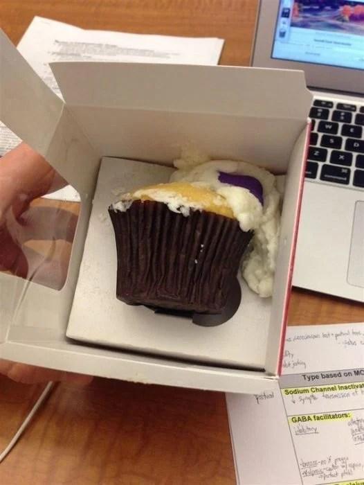 cupcake destruído