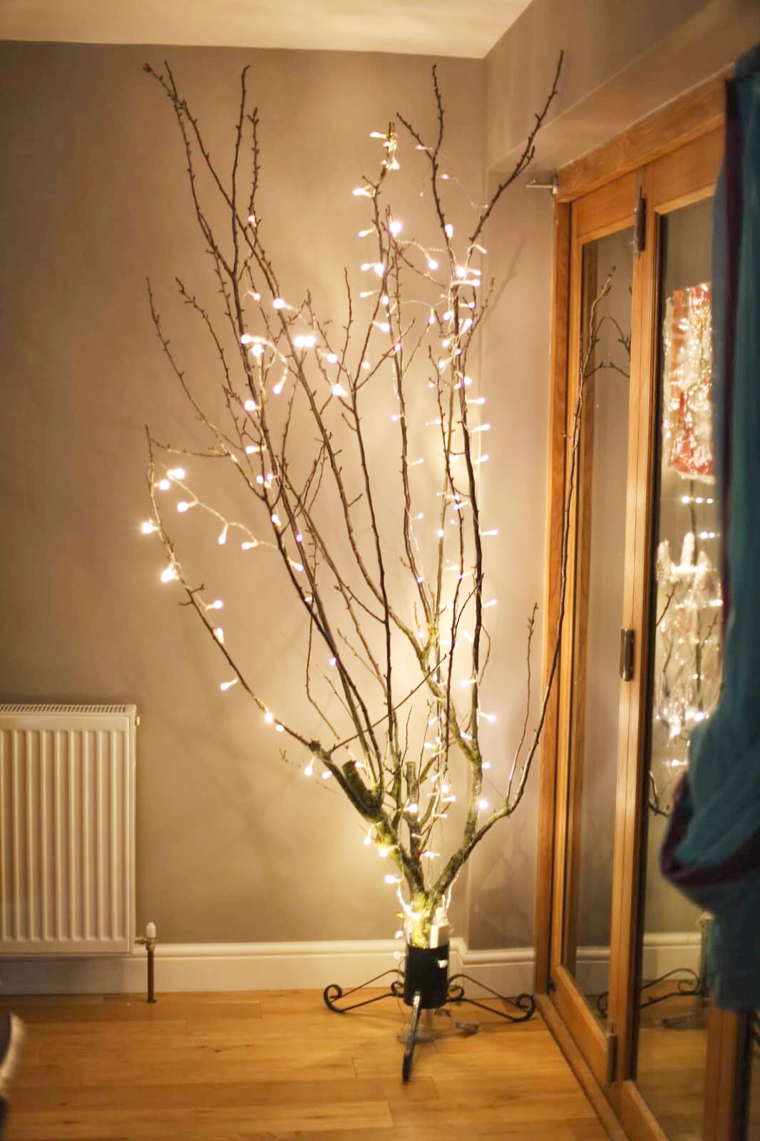 21 Ideas para iluminar tu casa con series de luces