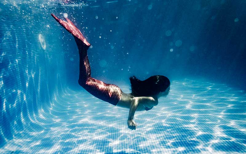 Florida attraction recruits mermaids for its shows  Recruiter