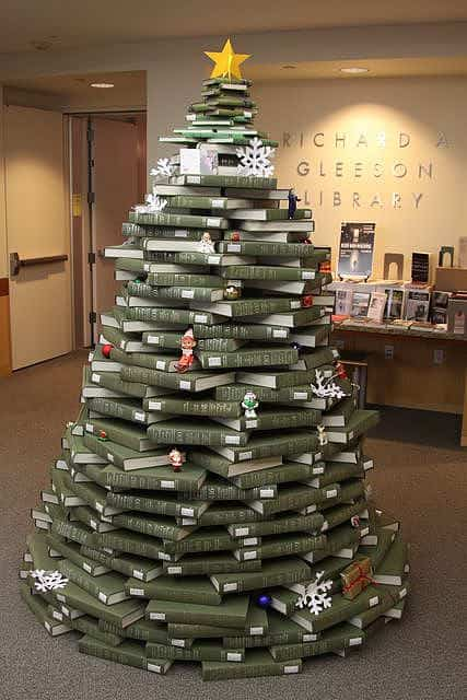 book christmas tree1