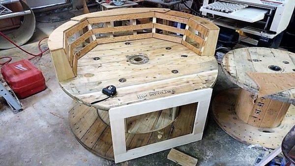 Wonderful Build DIY Pallet Oversize Chair  Recyclart