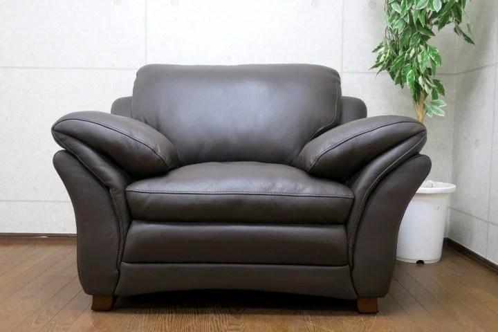 KELVIN GIORMANI/ケルビン・ジョルマーニ 総本革 1人掛けソファを都内にて出張買取しました。