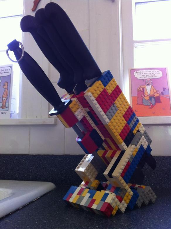необычное использование LEGO 10