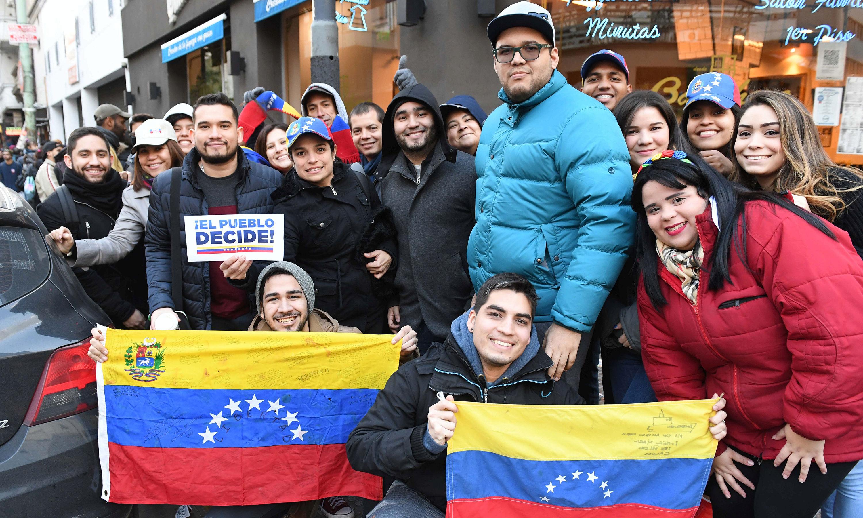 Entre 2016 y 2017, unos 44.000 venezolanos recibieron radicaciones temporarias y permanentes en la Argentina. Crédito: Luna Maximiliano - Télam