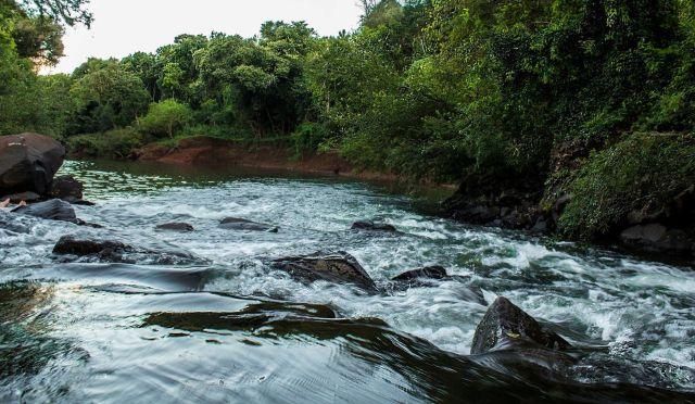 La reserva está rodeada por el arroyo Chafaríz, que desemboca en el río Uruguay.