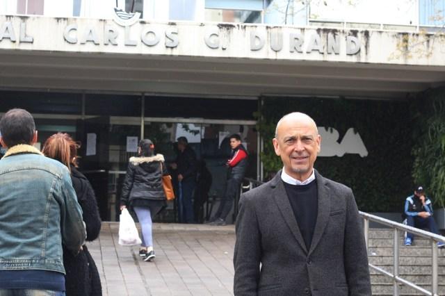 Adrián Helien, médico psiquiatra y director del GAPET (Grupo de Atención a Personas Transgénero), en el Hospital Durand. Foto: JS.