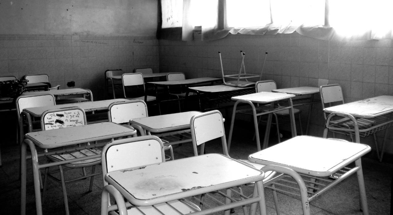 Una escuela cerrada genera que los jóvenes perdamos oportunidades para  concretar nuestros proyectos de vida | RED/ACCIÓN