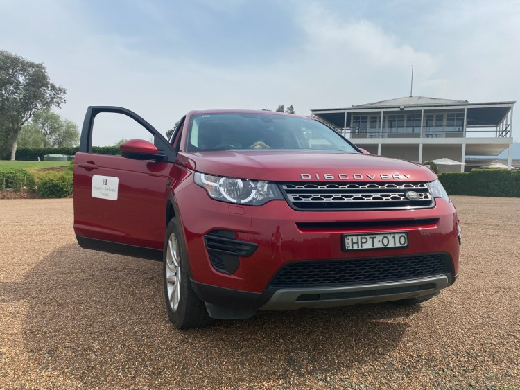 Land Rover Discovery from Hunter Private Tours