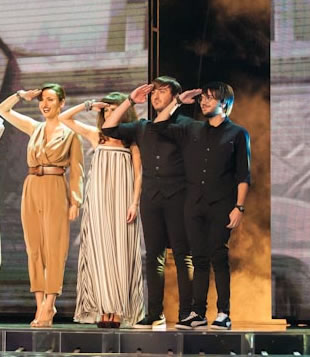 Arisa veste Max Mara a X Factor 2012