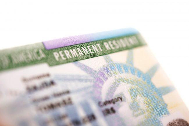 cuanto tarda en llegar la green card despues de la entrevista