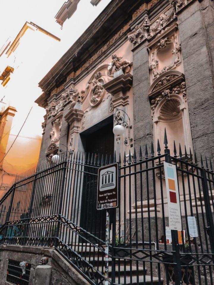 Chiesa del purgatorio Cantastorie Napoli tour