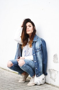 Ripped-Jeans-Are-In-Style-For-2015-1
