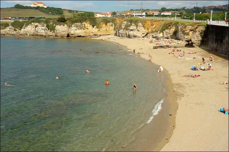 Playa CervignEl Rinconn para Perros en Asturias