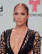 Jennifer Lopez in Julien Macdonald