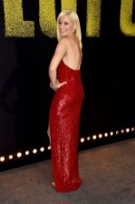 Elizabeth Banks In Jeffrey Dodd