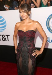 Halle Berry In Reem Acra - 2018 NAACP Image Awards