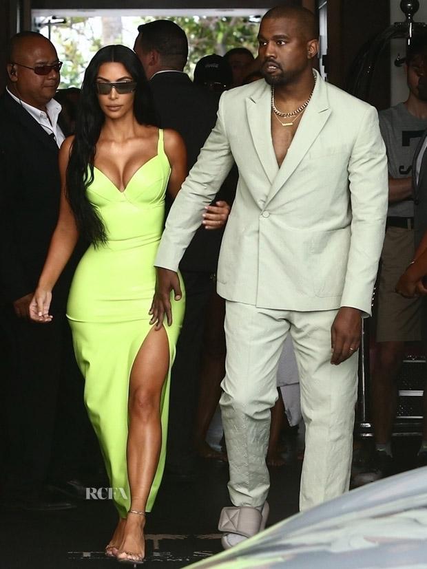 Kim Kardashian In Atsuko Kudo & Kanye West In Louis Vuitton - 2 Chainz Wedding