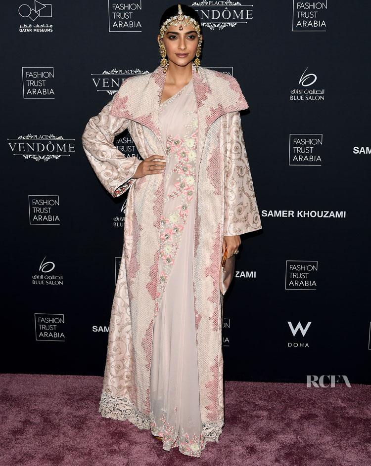 Sonam Kapoor in Anamika Khanna Fashion Trust Arabia Award Ceremony