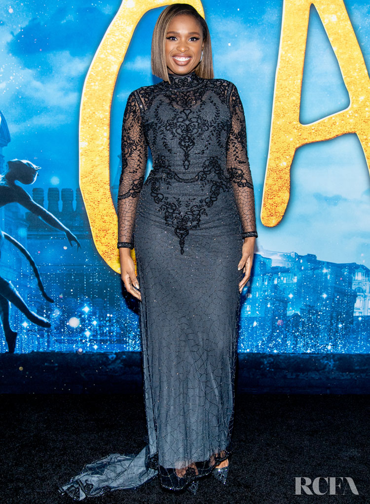 Jennifer Hudson Wore Reem Acra To The 'Cats' World Premiere