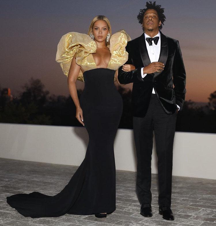 Beyoncé Knowles In Custom Schiaparelli Haute Couture - 2020 Golden Globe Awards