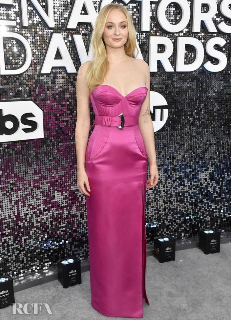 Sophie Turner In Louis Vuitton - 2020 SAG Awards