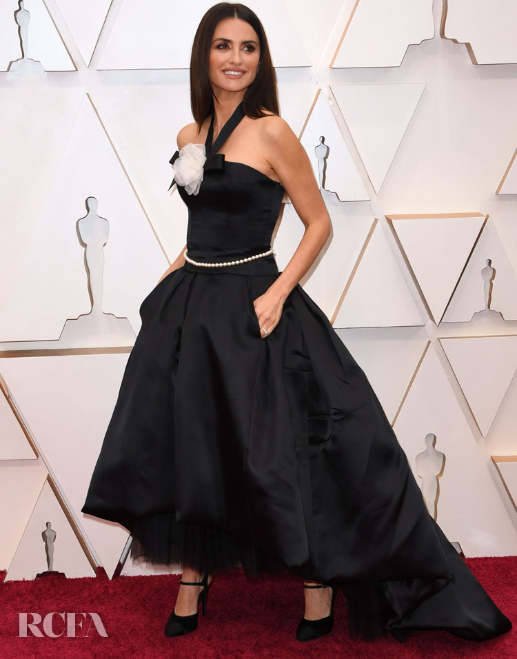 Penelope Cruz In Vintage Chanel Haute Couture - 2020 Oscars