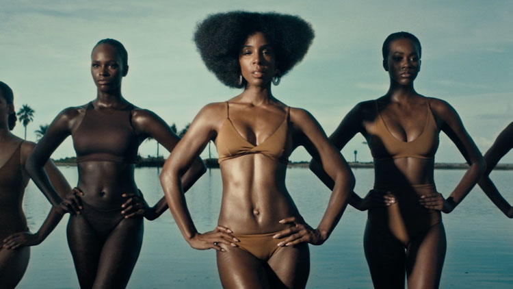 Kelly Rowland Smolders In New 'Coffee' Music Video