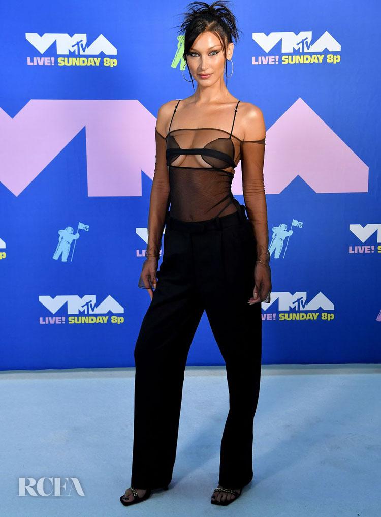 Bella Hadid Wore Nensi Dojaka To The 2020 MTV Video Music Awards
