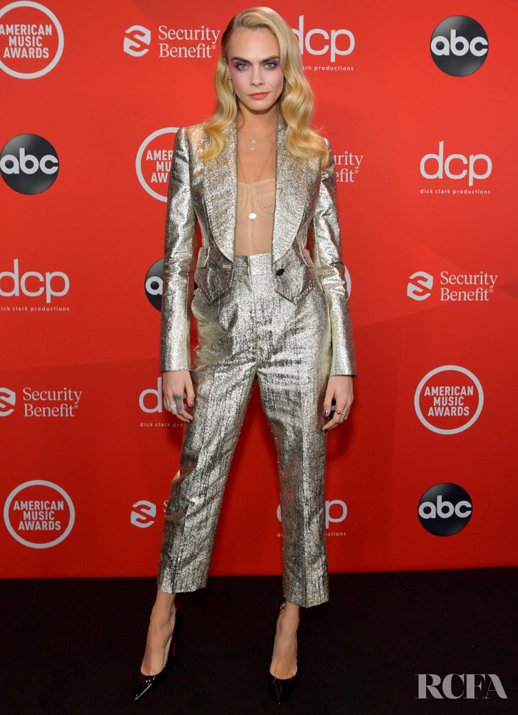 Cara Delevingne Wore Dolce & Gabbana To The 2020 American Music Awards