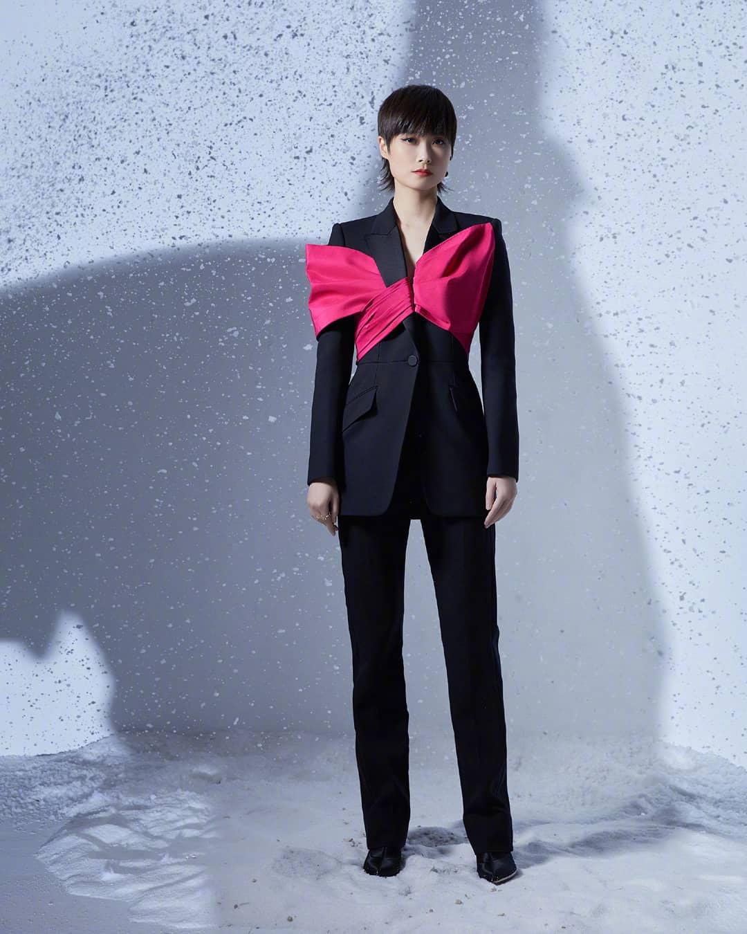 Chris Lee 李宇春 Wore Alexander McQueen To The 2020 COSMO Glam Night
