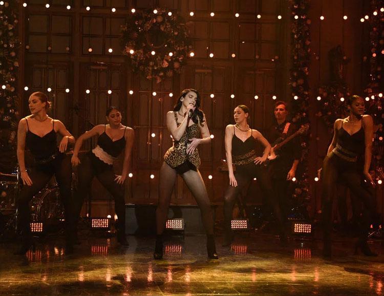 Dua Lipa Performed On SNL Wearing Alaïa