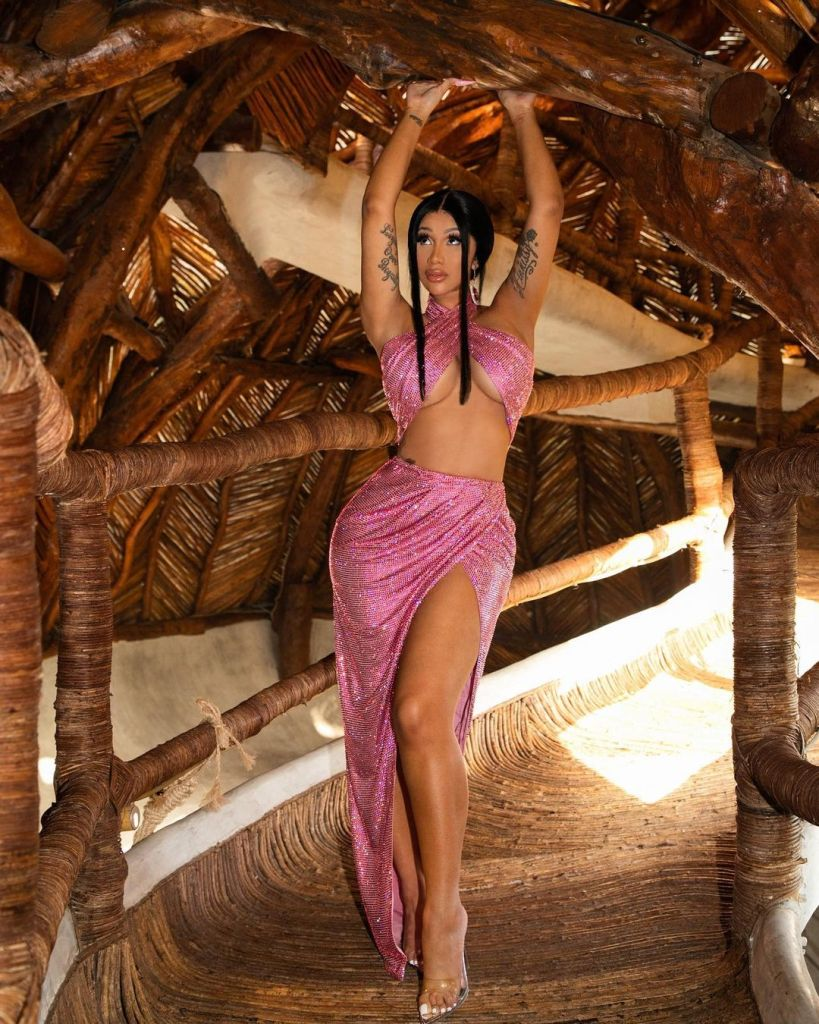 Cardi B, Balmain, Cardi B Mexico, Cardi B Pink Balmain, Cardi B Balmain, Balmain Spring 2021,