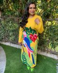 Mindy Kaling Was A Ray Of Sunshine In Dolce & Gabbana