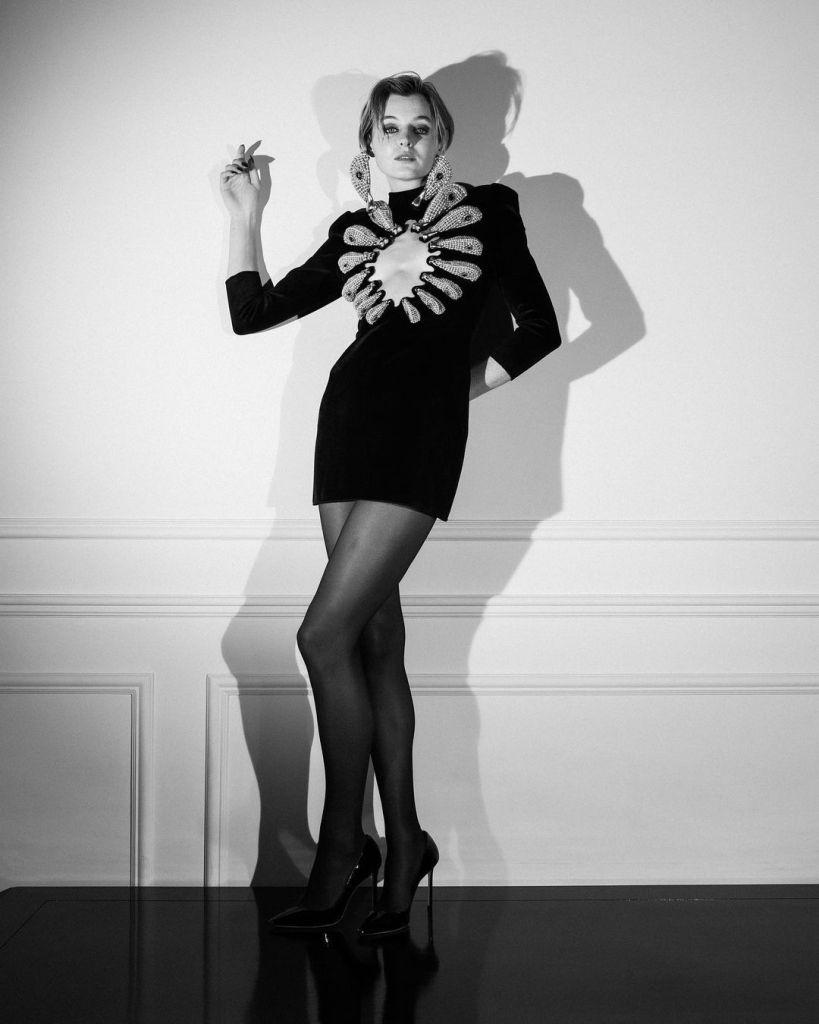Emma Corrin Wore Schiaparelli Haute Couture To The 2021 Critics' Choice Awards