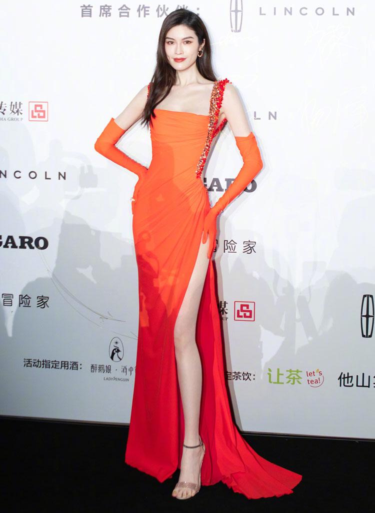 Sui He Wore Tony Ward Couture To The 2021 Madame Figaro Fashion Gala