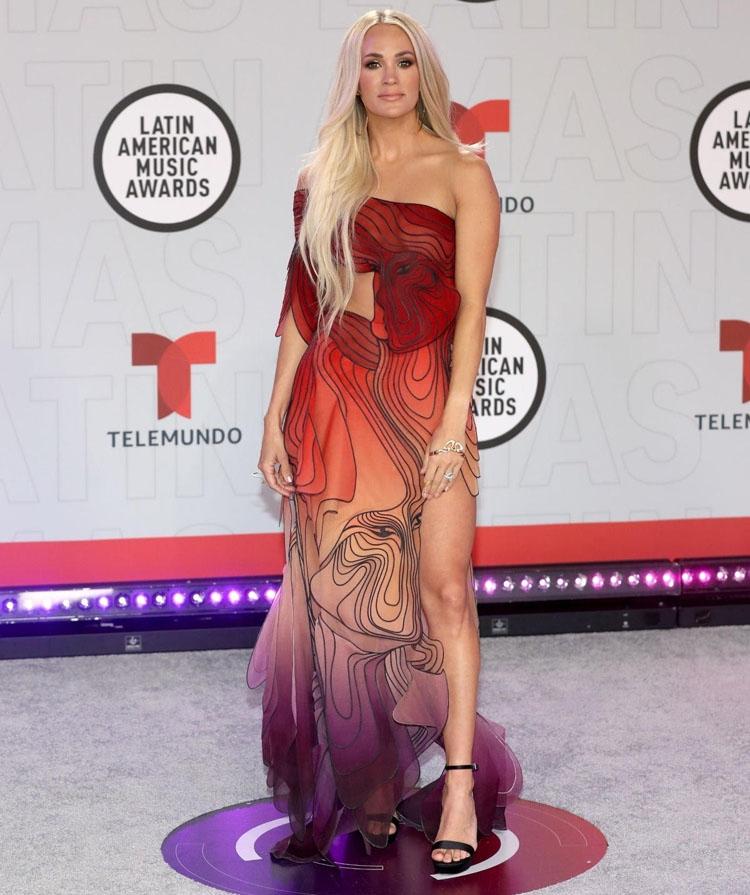 Carrie Underwood Wore  Iris van Herpen Haute Couture To The 2021 Latin American Music Awards