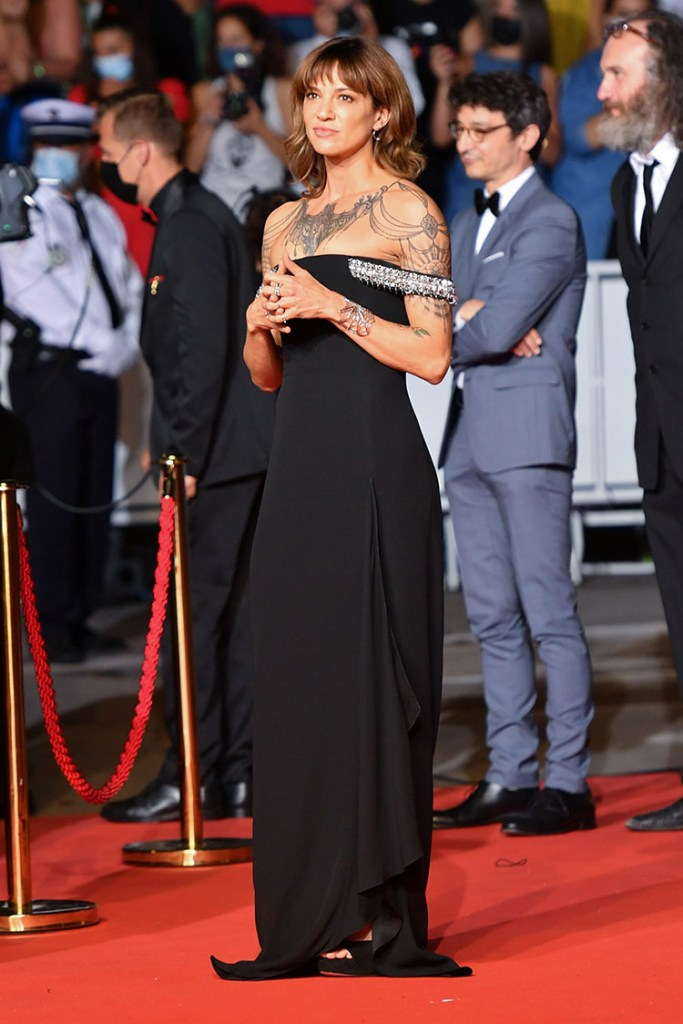 Asia Argento Wore Givenchy To The 'Bi-Sang-Seon-Eon (Emergency Declaration)' Cannes Film Festival Premiere