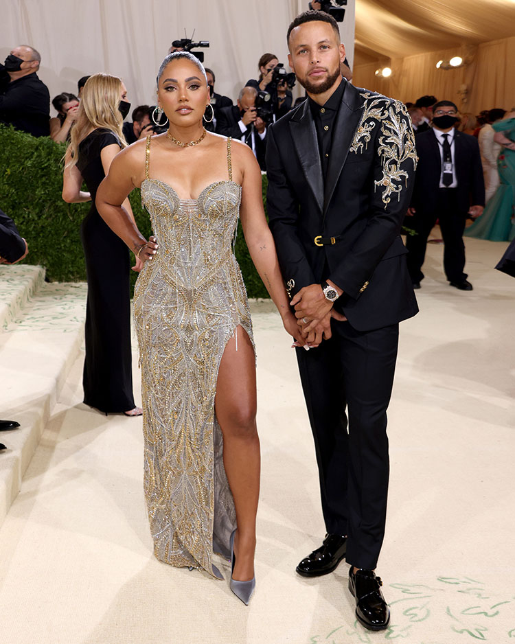 Stephen Curry and Ayesha Curry in Atelier Versace - 2021 Met Gala