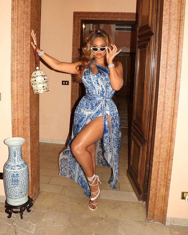 Beyonce Wore Dolce & Gabbana, Saint Laurent, Jean Paul Gaultier & Alice + Olivia In Venice