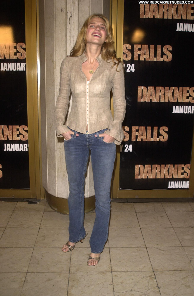 Lake Bell How To Make It In America S E Babe Posing Hot Beautiful