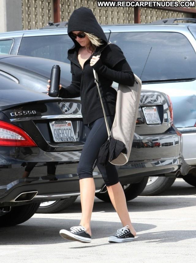 Ali Larter Yoga Class Yoga Celebrity Beautiful Hollywood Posing Hot